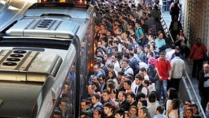 Aksayan metrobüs ve metro seferleri ayıplı hizmettir
